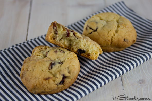 Pecan, Cranberry + White Chocolate Chip Cookies – Stasty